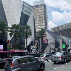 Отель Mowu Suites @ Bukit Bintang Fahrenheit 88 Малайзия, Куала-Лумпур - отзывы, цены и фото номеров - забронировать отель Mowu Suites @ Bukit Bintang Fahrenheit 88 онлайн парковка