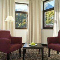 Гостиница AZIMUT Hotel FREESTYLE Rosa Khutor в Эсто-Садке - забронировать гостиницу AZIMUT Hotel FREESTYLE Rosa Khutor, цены и фото номеров Эсто-Садок комната для гостей фото 3