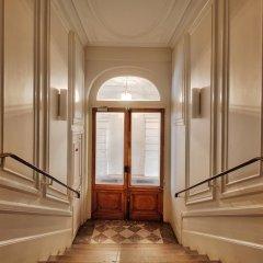 Отель Luminous Apt near Galerie Lafayette Париж интерьер отеля