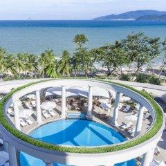 Отель Sunrise Nha Trang Beach Hotel & Spa Вьетнам, Нячанг - 5 отзывов об отеле, цены и фото номеров - забронировать отель Sunrise Nha Trang Beach Hotel & Spa онлайн бассейн фото 3