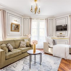 Отель Sunshine 2 bedroom - Luxury at Louvre Париж фото 16