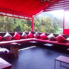 Sharaya Patong Hotel гостиничный бар