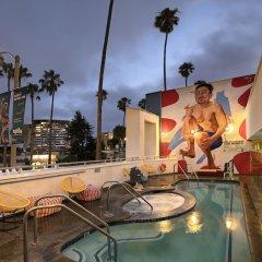 Отель The Kinney Venice Beach бассейн фото 2