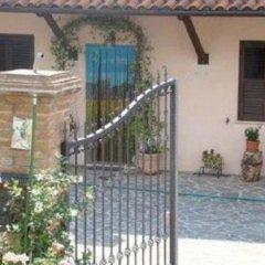 Отель La Piccola Quercia Италия, Стронконе - отзывы, цены и фото номеров - забронировать отель La Piccola Quercia онлайн вид на фасад