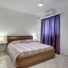 Апартаменты Charming Apartment in Qawra комната для гостей