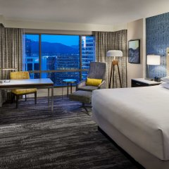 Отель Hyatt Regency Vancouver Канада, Ванкувер - 2 отзыва об отеле, цены и фото номеров - забронировать отель Hyatt Regency Vancouver онлайн комната для гостей фото 2
