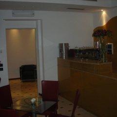 Отель Guesthouse Alloggi Agli Artisti Венеция гостиничный бар