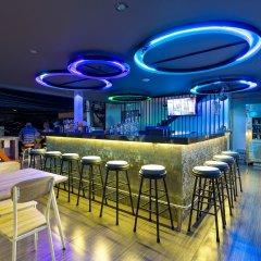 Отель ONELOFT Пхукет гостиничный бар