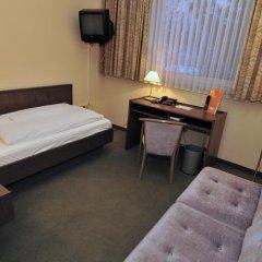 Hotel Astra сейф в номере