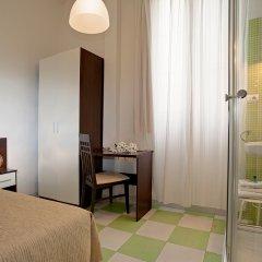 Отель Hostal Besaya комната для гостей фото 2