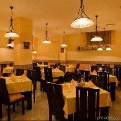 Отель Mountview Lodge Hotel Болгария, Банско - отзывы, цены и фото номеров - забронировать отель Mountview Lodge Hotel онлайн питание фото 2
