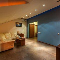 Крон Отель комната для гостей