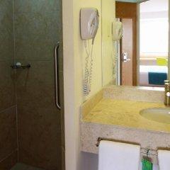Отель One Guadalajara Centro Historico Мексика, Гвадалахара - отзывы, цены и фото номеров - забронировать отель One Guadalajara Centro Historico онлайн ванная фото 2