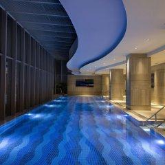Отель DoubleTree by Hilton Hotel Xiamen - Wuyuan Bay Китай, Сямынь - отзывы, цены и фото номеров - забронировать отель DoubleTree by Hilton Hotel Xiamen - Wuyuan Bay онлайн бассейн фото 2