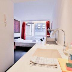 Отель Chic suisse flat Metro Louise Бельгия, Брюссель - отзывы, цены и фото номеров - забронировать отель Chic suisse flat Metro Louise онлайн ванная фото 2