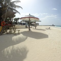 Отель Mai Tai Villa, 4BR by Jamaican Treasures пляж