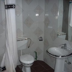 Отель Mojo Budva Черногория, Будва - отзывы, цены и фото номеров - забронировать отель Mojo Budva онлайн ванная