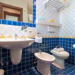 Отель Residence Blu Mediterraneo Римини ванная