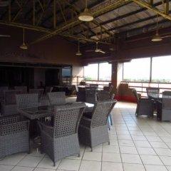 Отель Mactan Pension House Филиппины, Лапу-Лапу - отзывы, цены и фото номеров - забронировать отель Mactan Pension House онлайн гостиничный бар фото 2