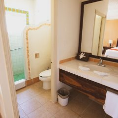 Отель Petit Lafitte ванная