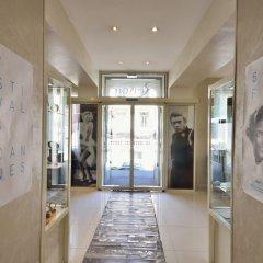 Отель Renoir Hotel Франция, Канны - отзывы, цены и фото номеров - забронировать отель Renoir Hotel онлайн интерьер отеля фото 2