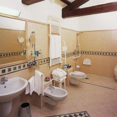 Santa Chiara Hotel & Residenza Parisi Венеция ванная фото 2