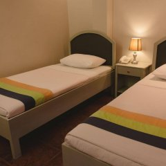 Отель Maribago Seaview Pension and Spa Филиппины, Лапу-Лапу - отзывы, цены и фото номеров - забронировать отель Maribago Seaview Pension and Spa онлайн комната для гостей фото 2