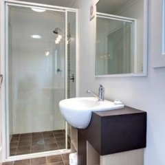 Отель Bellinger River Tourist Park ванная