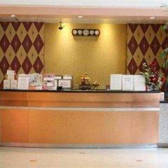 Отель Ratchada Resort and Spa Hotel Таиланд, Бангкок - отзывы, цены и фото номеров - забронировать отель Ratchada Resort and Spa Hotel онлайн интерьер отеля фото 2