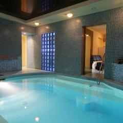 Отель Mabre Residence бассейн