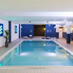 Radisson Blu Hotel London Stansted Airport бассейн