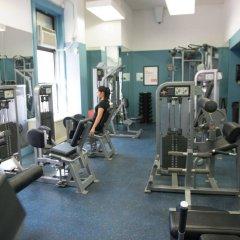 Отель Green Point YMCA фитнесс-зал фото 4