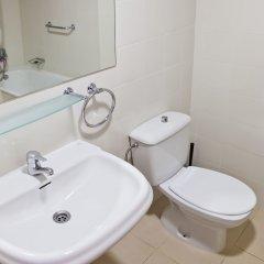 Отель RVhotels Apartamentos Lotus Испания, Бланес - отзывы, цены и фото номеров - забронировать отель RVhotels Apartamentos Lotus онлайн ванная