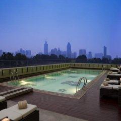 Отель JW Marriott Hotel Shenzhen Китай, Шэньчжэнь - отзывы, цены и фото номеров - забронировать отель JW Marriott Hotel Shenzhen онлайн бассейн