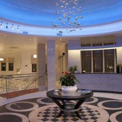 Отель La Mer Deluxe Hotel & Spa - Adults only Греция, Остров Санторини - отзывы, цены и фото номеров - забронировать отель La Mer Deluxe Hotel & Spa - Adults only онлайн интерьер отеля