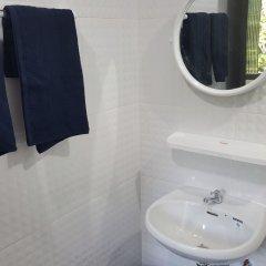 Отель Relax Lodge Бангкок ванная фото 2