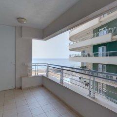 Отель Stunning Seafront Lux Apt wt Pool, Upmarket Area Мальта, Слима - отзывы, цены и фото номеров - забронировать отель Stunning Seafront Lux Apt wt Pool, Upmarket Area онлайн балкон