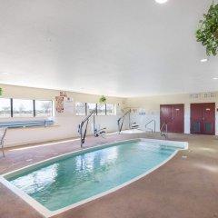 Отель Comfort Suites Plainview бассейн фото 2