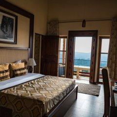 Отель Amaya Hills сейф в номере