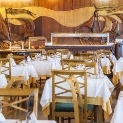 Отель Globales Almirante Farragut Испания, Кала-эн-Форкат - отзывы, цены и фото номеров - забронировать отель Globales Almirante Farragut онлайн гостиничный бар