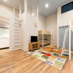 Отель Trip Pod Chiyo B Фукуока комната для гостей