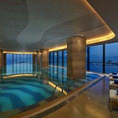 Отель Hilton Shenzhen Shekou Nanhai бассейн