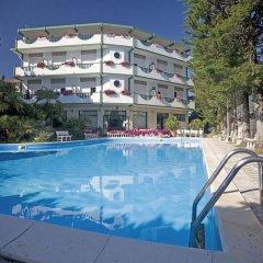 Hotel K2 Нумана бассейн