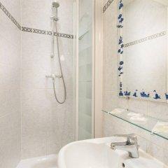 Отель Hipotel Paris Gare du Nord Merryl Франция, Париж - 13 отзывов об отеле, цены и фото номеров - забронировать отель Hipotel Paris Gare du Nord Merryl онлайн ванная