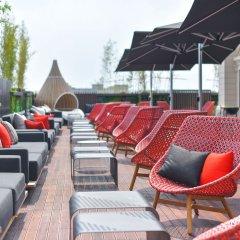 Отель Indigo Shanghai Hongqiao Китай, Шанхай - отзывы, цены и фото номеров - забронировать отель Indigo Shanghai Hongqiao онлайн бассейн фото 2