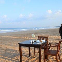 Отель Avani Bentota Resort Шри-Ланка, Бентота - 2 отзыва об отеле, цены и фото номеров - забронировать отель Avani Bentota Resort онлайн пляж