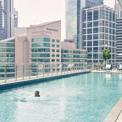 Отель Capri by Fraser China Square Singapore бассейн