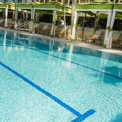 Отель Conrad Miami бассейн