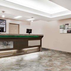 Отель Super 8 by Wyndham Saskatoon Near Saskatoon Airport интерьер отеля фото 3