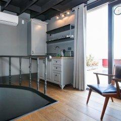 Апартаменты 3 Bedrooms Apartment w Sea View and Terrace Стамбул в номере